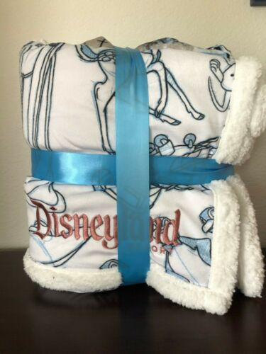 Disney Parks 2020 Disneyland Ink And Paint Animation Throw Blanket New With Tags