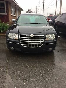 2007 Chrysler 300  8 months warranty safety and E-test included