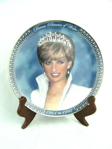 A Tribute To Princess Diana From The Franklin Mint Porcelain Plate w/stand 1998