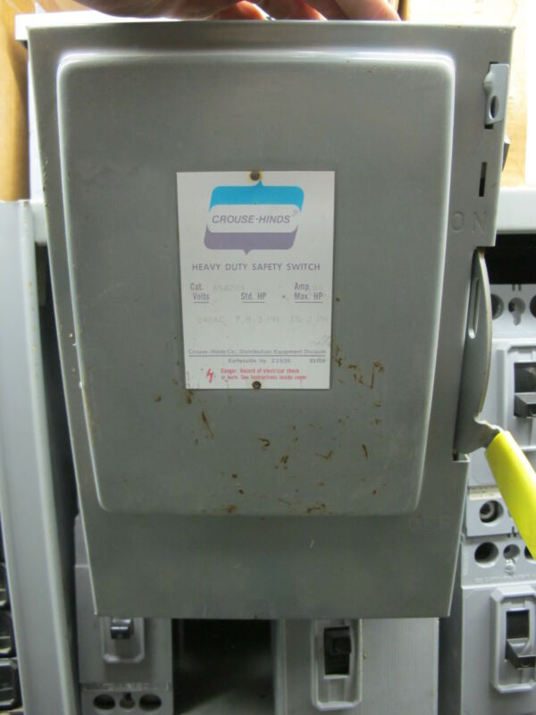Crouse Hinds AS422A 60 Amp 240 Volt NEMA 1 Fusible Disconnect NEW