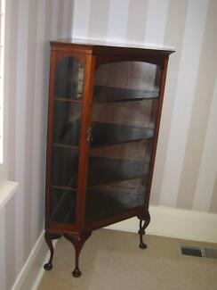 Cabinet Corner Vintage