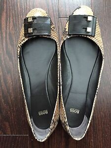 Hugo Boss Leather shoes in Mint condition Sz 39