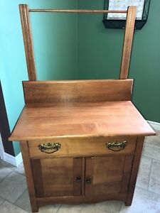ANTIQUE WASHSTAND - EXCELLENT CONDITION