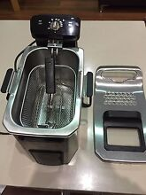 99% Brand New De'Longhi Deep Fryer F24512CZ Eastwood Ryde Area Preview