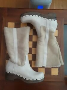 FRYE SHEARLING FLEECE & LEATHER BOOTS 8 Ivory & Tan Leather clog boot