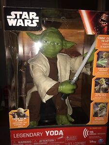 Brand new Star Wars legendary yoda