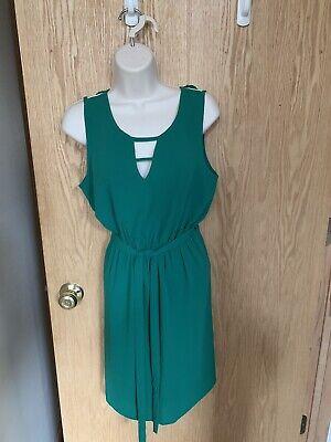 Skies Are Blue Stitch Fix KACIE Cut Out Back Sleeveless Size M Dress Green NWT