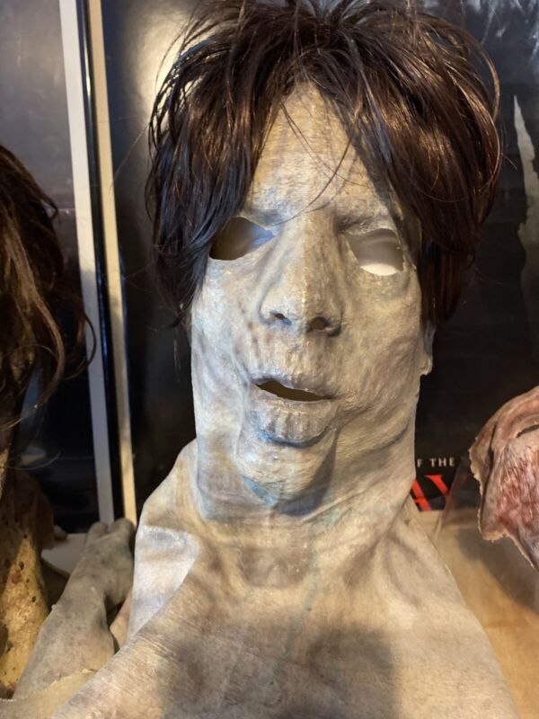 Army of the dead screen used props