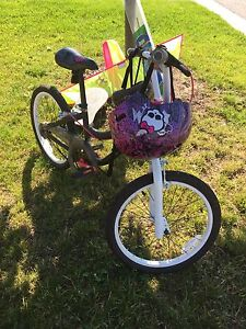 MONSTER HIGH BICYCLE AND HELMET