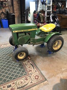 Looking for 1967 round fender John Deere hydraulic lift
