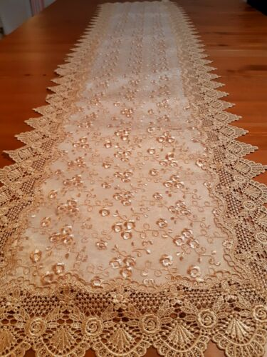 Rectangle 40*135cm light-Brown Broderie Anglaise Style T/Runner
