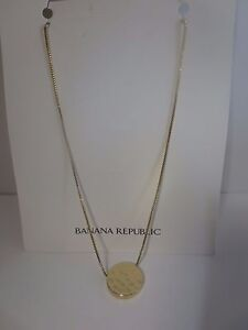 Banana Republic Gold Hammered Disc Pendant Short Necklace NWT $45