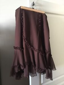 Let Chateau brand woman's skirt-size medium
