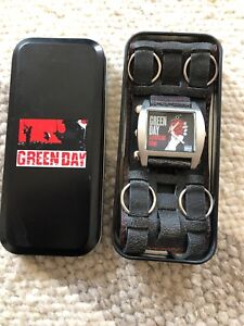 """""""GREEN DAY"""" watch and metal case"""