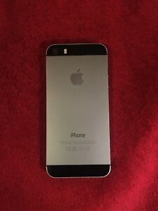 iPhone 5s Space Gray 16GB (Screen Cracked - Écran brisé)