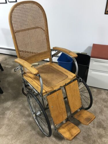 Antique Vintage Arrow 4 wheeled Wood Wicker Wheelchair Erie Penn.Ser No 104549