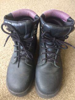Wanted: Steel blue steel cap boots