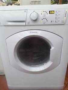 Ariston ARMF125 Wash Dryer Combo, in excellent condition Wantirna South Knox Area Preview