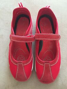Shoes size 42/9-10 Mooroobool Cairns City Preview