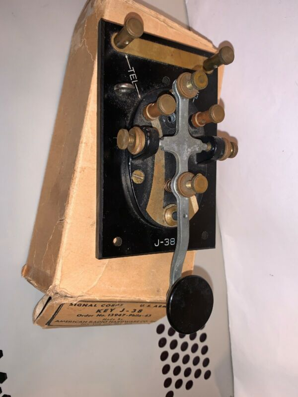 Vintage LIONEL Telegraph Key J-38 US Army Signal Corps With Box No Morse Key