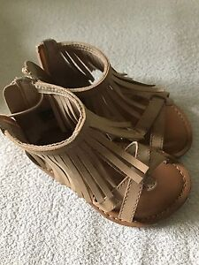 Gap baby moccasin sandals size 6