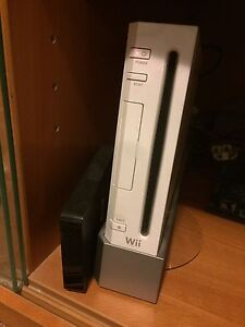 Nintendo Wii modded with 100+ games