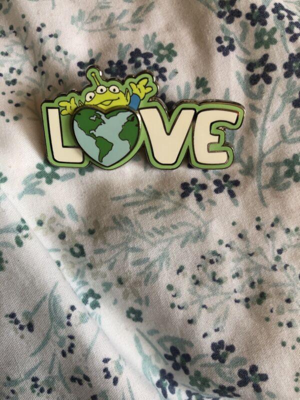 Disney Toy Story Little Green Men Alien Earth Love LE 2750 Pin