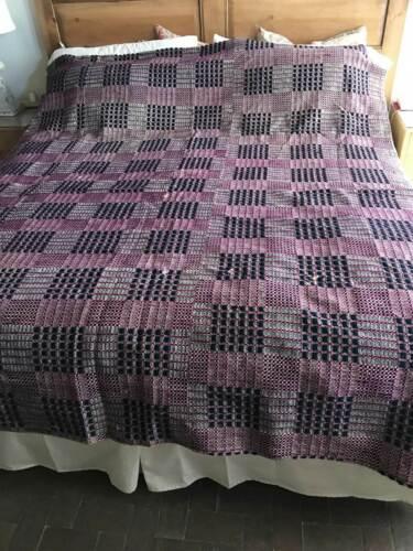 Antique Mid-1800s Wool Overshot Blanket Spread Coverlet Navy Fuchsia Cream 71X87