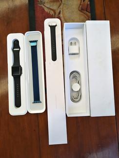Apple Watch 7000 Series Space Gray 38mm w/Blue Milanese Loop