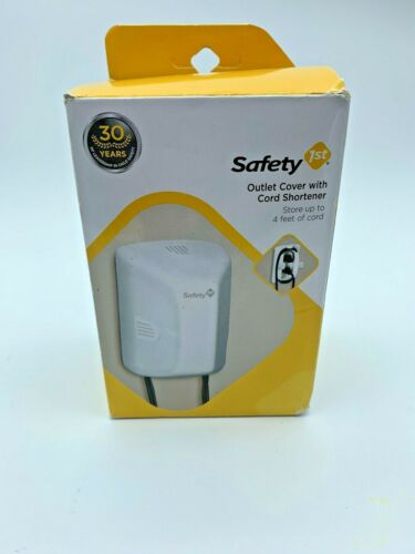 Safety 1st Outlet Cover With Cord Shortener (Open Box)