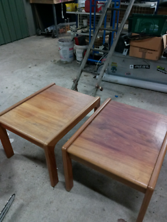 2x coffee tables