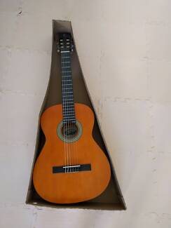 Tanglewood Discovery classical guitar