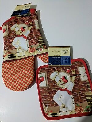 3 Piece Bakers Set (3 piece set 1 Oven mitt 2 potholders Home Collection Chef Baker design NEW )