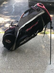 Nike Golf Bag w Built in Stand
