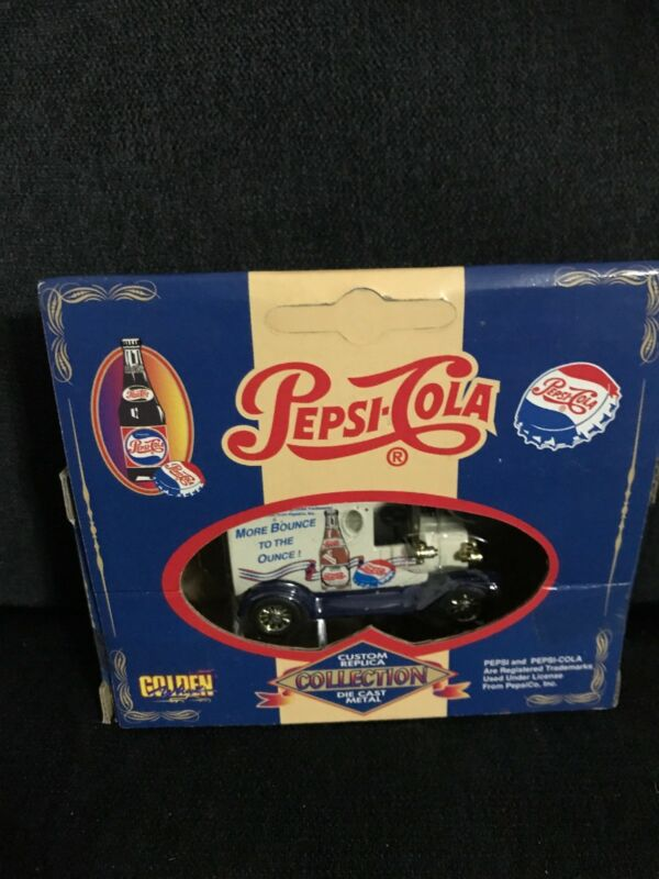 CUSTOM REPLICA COLLECTION PEPSI COLA DIE CAST VINTAGE TRUCK