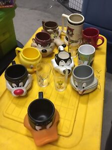 vintage Looney Tunes mugs and cups