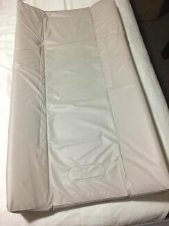Infa deluxe padded change mat and 2 covers in excellent condition