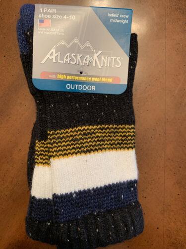 NWT Alaska Knits Ladies Midweight Crew Socks High Performance Wool Blend 4-10