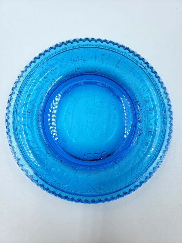 Vintage Blue Glass 4 Inch Bicentennial Eagle Plate 1776 Great Condition