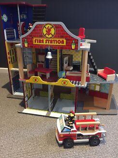Kids wooden fire station/ truck / firemen