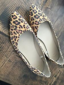 Gap leopard pointy toe shoes