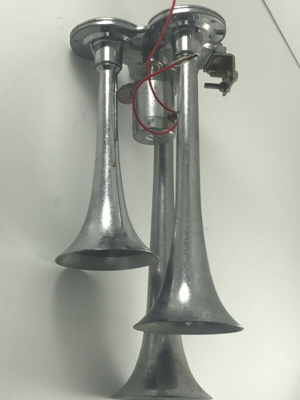 VINTAGE SIEGE ENGINEERING  Triple  Trumpet Truck/Train/ Air Horn Fire 12volts