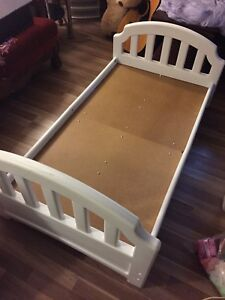 Toddler bed!!