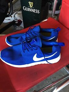 Never used mens size 10 running shoes