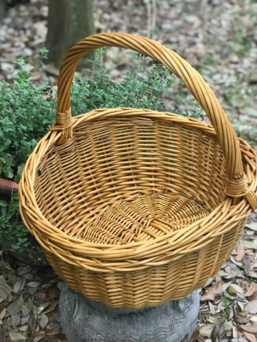 """Decorative Wicker Basket with Handle Farmhouse Style 15"""" Natural Color/Tan"""