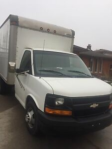 2003 Chevy cube van 12 ft box