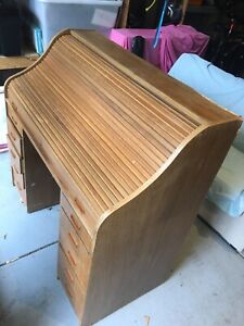 Roll top desk. Shabby condition.