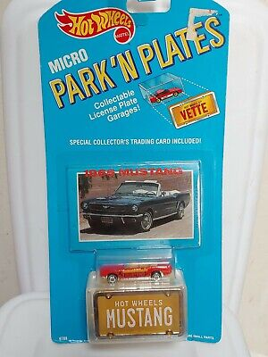 Hot Wheels Micro Park n Plates 1965 Mustang New On Card 1989