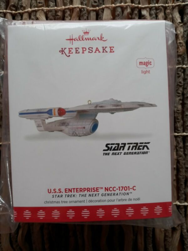 2017 Hallmark Ornament Exclusive Star Trek U.S.S. Enterprise NCC-1701-C