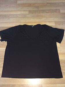 Wilfred Free Tee from Aritzia